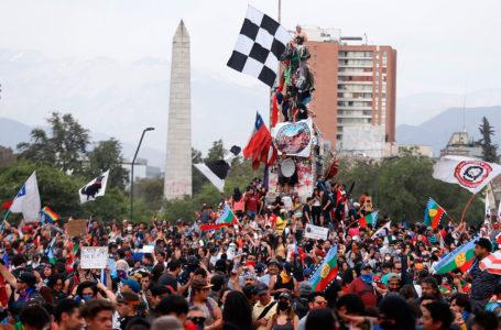 Fin de año con represión en Plaza Baquedano
