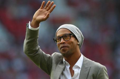 Ronaldinho fue demorado por usar un pasaporte adulterado