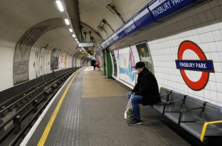 Reino Unido registró un nuevo récord de 938 muertos en un día