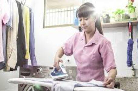 Las asesoras de hogar acusan discriminación ante el Fondo Solidario de Cesantía