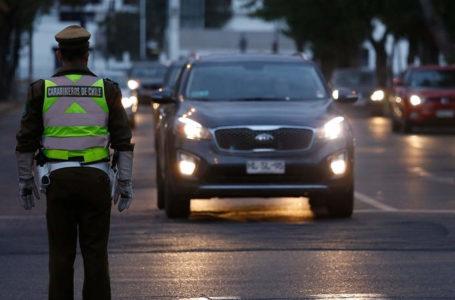 Descontrol: más de 41.000 vehículos salieron de Santiago pese a cordón sanitario